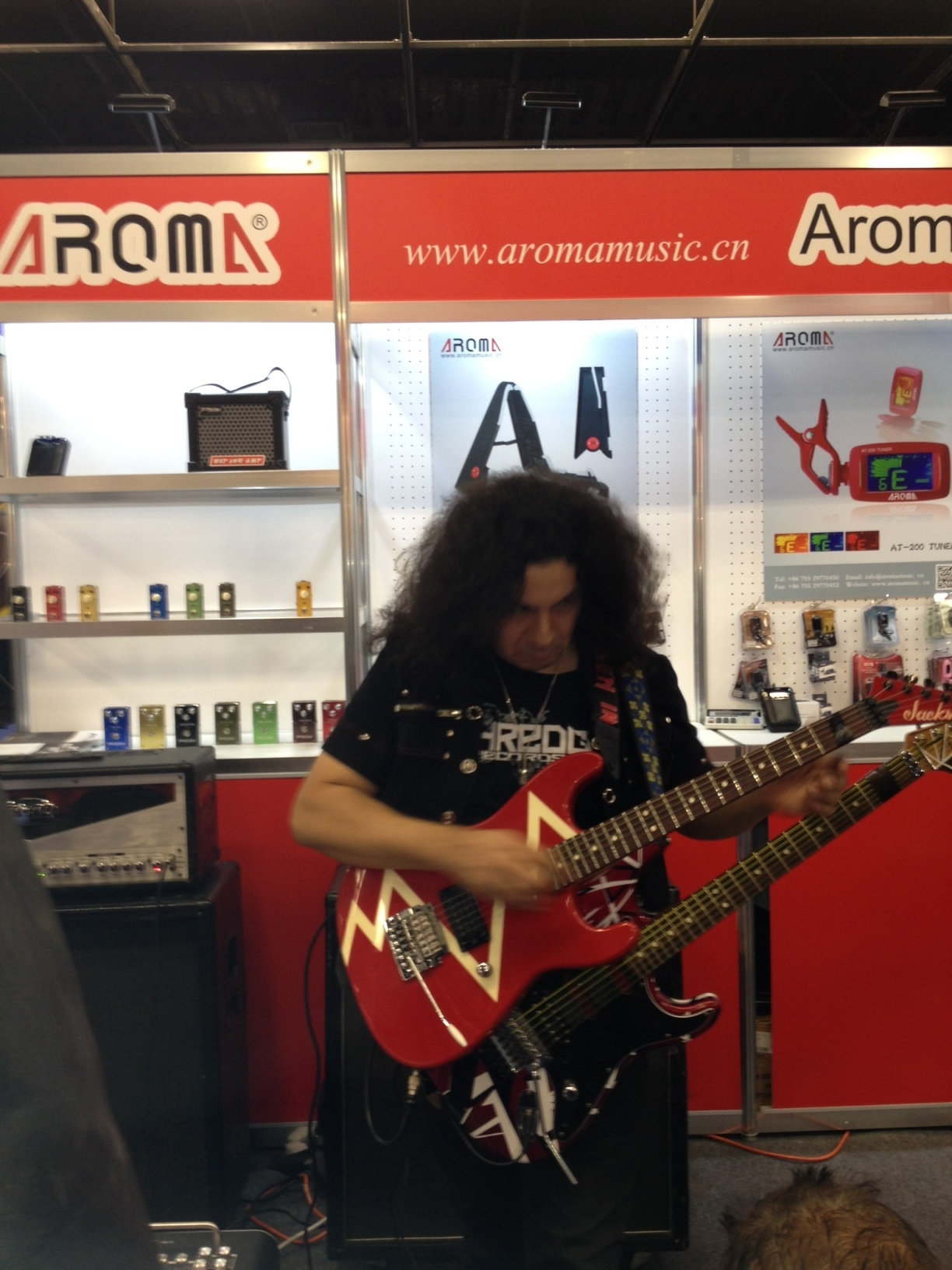 Guitarist Mike Guerrero Guitar tapping ninja plays shred guitar at namm show
